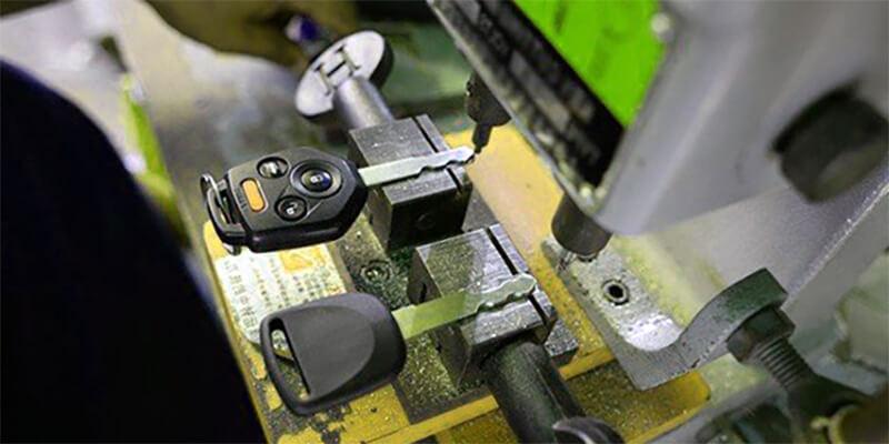install hardware - Speedy Locksmith LLC